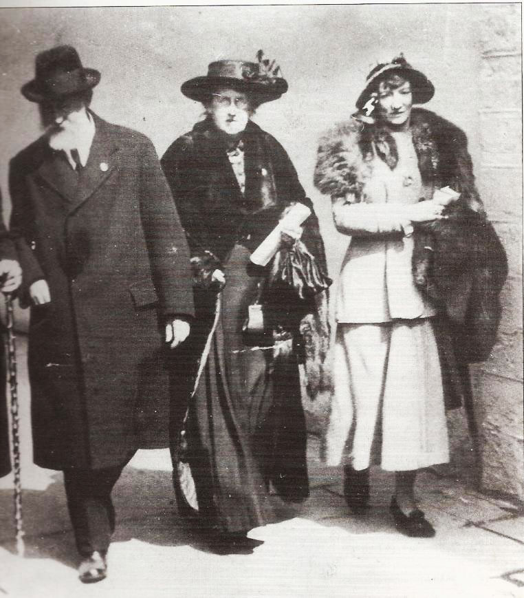 Count Plunkett and his wife with Grace Gifford