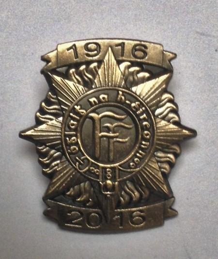 1916 badge